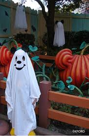 tips for families attending mickey u0027s not so scary halloween party
