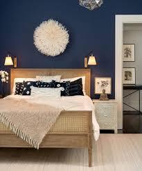 quel mur peindre en couleur chambre beau quel mur peindre en fonce 8 en bleu fonce parquet et lit de