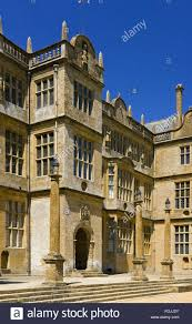 the central frontispiece on the east front of montacute house