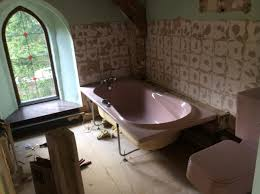 blog complete guide to buying a bathtub advice from the ditch the coloured bathroom suite