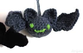 halloween bat amigurumi free crochet pattern