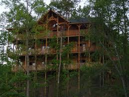gatlinburg cabin cloud nine 9 bedroom sleeps 32 jacuzzi pictures for cabin