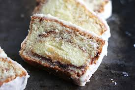 cinnamon roll pound cake creme de la crumb