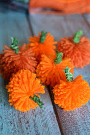 easy diy yarn pumpkins no sew pumpkin garland not quite