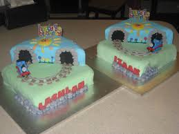 twin thomas the tank engine 1st birthday cakes cakecentral com