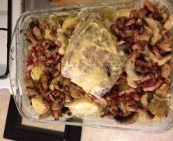 cuisiner un roti de porc au four rôti de porc aux chignons et petits lardons recette de rôti