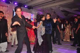 srk hrithik madhuri riteish sonu party together emirates 24 7