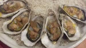 cuisiner les huitres huîtres chaudes au foie gras recette par cuisine com