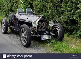 vintage bugatti vintage car of 1925 bugatti 35b parked at roadside stock photo