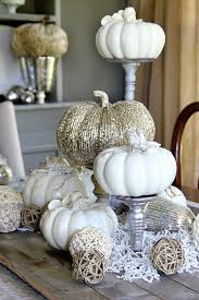 a fresh fall look black and white thanksgiving décor ideas 28