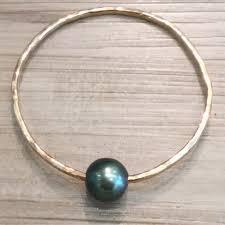 pearl bangle bracelet images Bangle bracelet gold tahitian pearl seashore couture maui jpeg