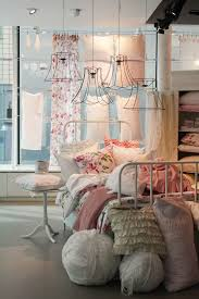 Shabby Chic Bedroom Images by Best 10 Shabby Chic Pillows Ideas On Pinterest Vintage Pillows