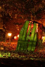 Halloween Skeleton Yard Decorations by 125 Cool Outdoor Halloween Decorating Ideas Digsdigs