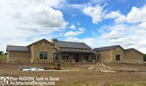 plan 46041hc hill country home with massive porch country