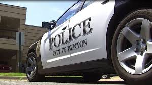 tractor supply black friday benton police searching for suspect in tractor supply armed