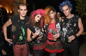 Family Of Four Halloween Costumes by Cindy Crawford And Her Famous Family Dress Like Punks For Star