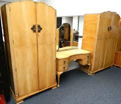 1930s maple bedroom suite by wrighton distinctive furniture lot 630 1930s maple bedroom suite by