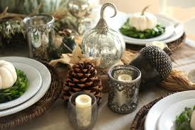 set a traditional thanksgiving table setting