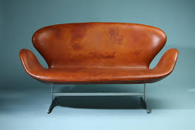 two seat sofa the swan designed by arne jacobsen for fritz