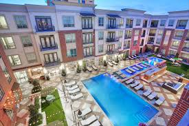 alara uptown luxury apartments in dallas greystar