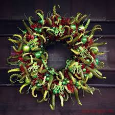 this cthulhu wreath will devour your soul pic