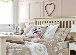 deco chambre romantique chambre à coucher déco chambre romantique motifs oiseaux papillons