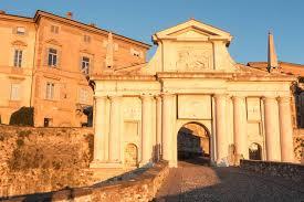 Itineraries Turismo Bergamo by Bergamo A Town Two Souls