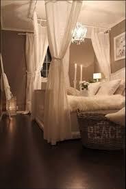 chambre lit baldaquin chambre deco décoration chambre avec lit baldaquin