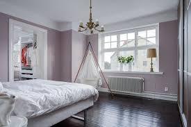 welche farbe fürs schlafzimmer wandfarbe und flieder eignen sich gut für schlafzimmer