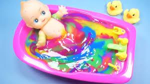 Baby Dolls Bath Time
