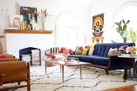 livingroom sofa 25 stunning living rooms with blue velvet sofas