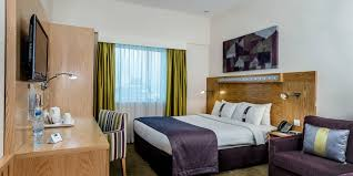 holiday inn express dubai airport hotel by ihg holiday inn express dubai 4636445183 2x1