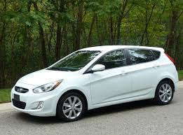 2011 hyundai accent review review 2012 hyundai accent se the about cars