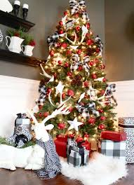 the yellow cape cod our 2014 cabin christmas tree 12 bloggers of