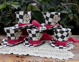2 5 alice in wonderland mini top hats set of