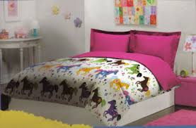 Girls Horse Themed Bedding by Bedroom Decorating Idea Blog