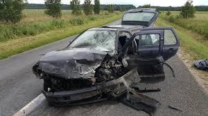 renault usa šilutės rajone kraupi avarija kaktomuša susidūrė du automobiliai