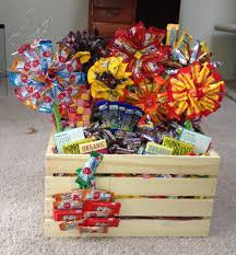 halloween candy gift basket love the way they displayed the candy in this basket would be