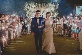 wedding dress di bali pernikahan dengan tema vintage di conrad hotel bali www