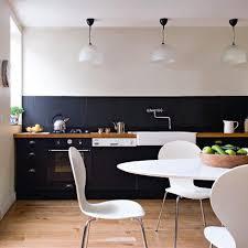 parquet dans une cuisine comment choisir un parquet le poser et l entretenir