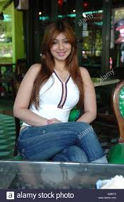 bollywood actress ayesha takia wallpapers bollywood actress ayesha takia actor film star famous in jeans top