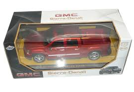 Christmas Gifts For Her 2015 Gmc Amazon Com Gmc Sierra Denali Pickup Truck 1 24 Friction Series Red