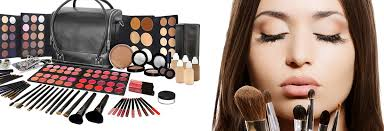cheap makeup artist 3 reasons why you need to be careful about the makeup you re using