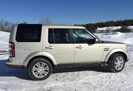 land rover discovery off road tires review 2014 land rover lr4 is the luxury suv for off road drivers