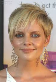 marly hairstyles for mature women pixie style and devil lock short hair combination for marley shelton
