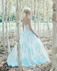 wedding dress stores 13 etsy wedding dress stores whose gowns we fell in with
