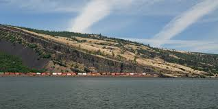 Mosier Oregon Map by Oil Trains Are Risking It All In The Columbia River Gorge