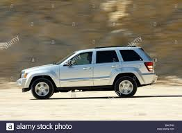 jeep grand cherokee 5 7 hemi limited model year 2006 silver