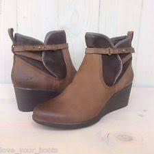 ugg australia emalie 1008017 black leather ankle waterproof ugg emalie leather wedge bootie ankle boot black waterproof size 10