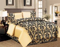 Black And Gold Damask Curtains by Bedroom Damask Decorating Idea For Bedroom With Damask Curtains